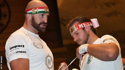 Fury trainer defends McCracken over 'concussion' criticism