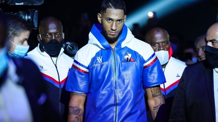 Yoka takes decision over Hammer to stay unbeaten